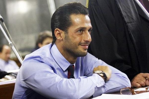 Fabrizio Corona accusa il fidanzato dell'ex moglie: è stato lui a mettere la bomba carta sotto casa?