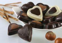 Il cioccolato fondente fa dimagrire? 10 motivi per mangiarlo tutti i giorni